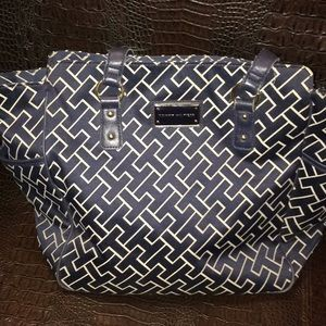 Tommy Hilfiger signature purse LARGE size w/GOLD
